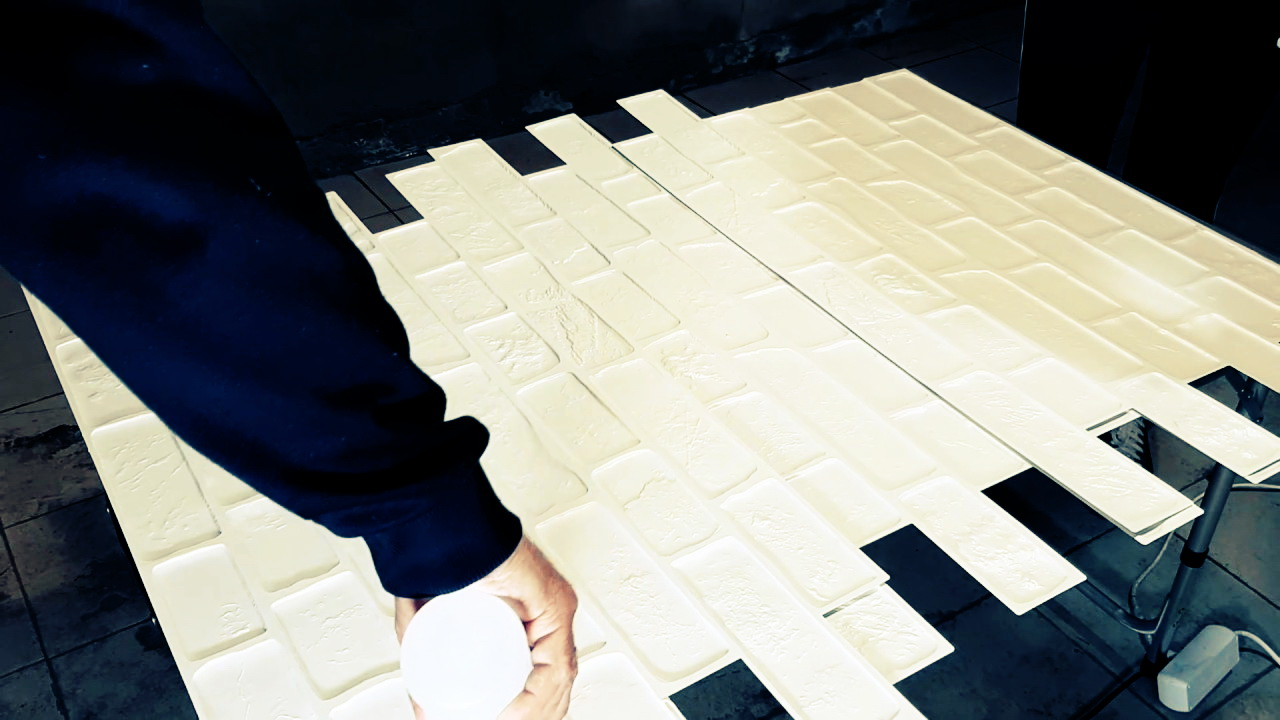 Монтаж декоративных листовых панелей ПВХ